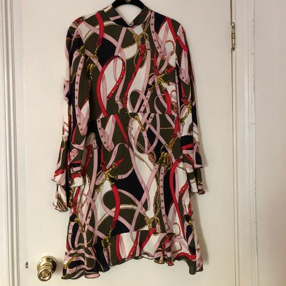 4e55e8b89ec Zara Chain Print Dress. M 5b678e8d477368ebd292a6e8
